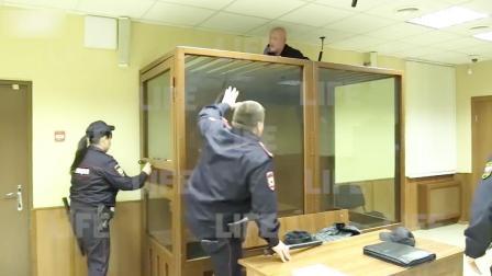 俄嫌犯在警察眼皮底下越狱,钻出隔离室顶开天花板