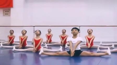 网友:我儿子最喜欢跳舞了,但他的偶像却是金星,我有点害怕啊!