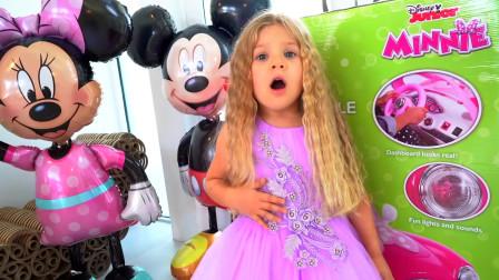 超漂亮!萌娃小可爱要和朋友们出去玩了,最后选了这套衣服,不愧是小公主啊!