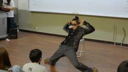 大四学长跳舞给新生看,太帅了,只可惜就要离校了