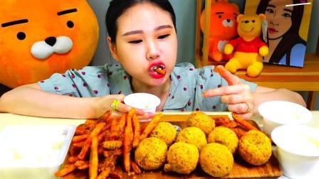 韩国大胃王卡妹,试吃油炸美食,吧唧吧唧吃的好过瘾