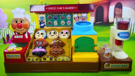 面包超人面包店玩具,机器猫小猪佩奇乔治来买面包和饮料了