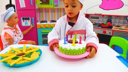 今天是谁的生日呢,萌娃小可爱当厨师做了美味的生日蛋糕,看上去也太好吃啦!