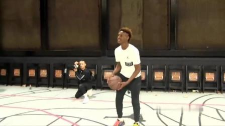 詹姆斯的大儿子布朗尼,篮球生活的日常,网友:天赋太强了
