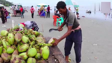 在印度喝完椰汁还要吃椰肉,大家喝完,有在吃椰肉的吗?