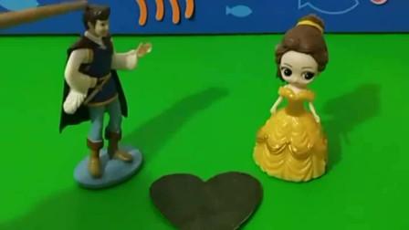 贝儿挑拨白雪和王子的关系,贝儿真是过分,王子还会相信白雪吗?