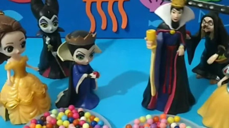 黑暗王后和童话王后进行PK,两人实力相当,最后谁赢了?
