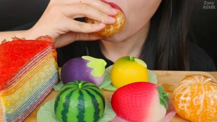 美女直播吃冰糖橘子、水果点心、绉布蛋糕,吃东西的声音真好听