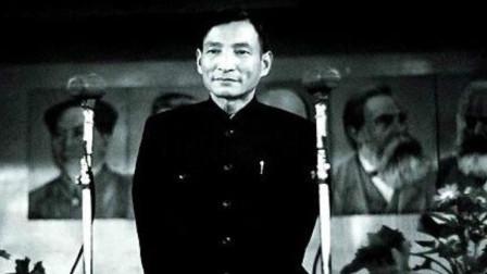 长征时,陈云在国际会议上讲了红军的事,在座的人都为之动容