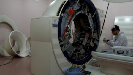 老外拆解CT机器,直观感受机器的转速,网友:吓的我不敢进医院了!