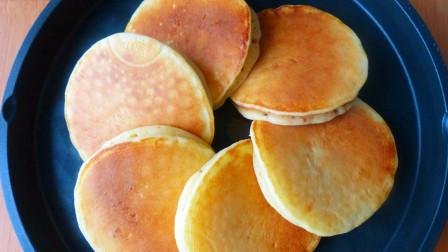 玉米面超好吃的做法,比馒头简单,比面包还香,出锅孩子抢着吃