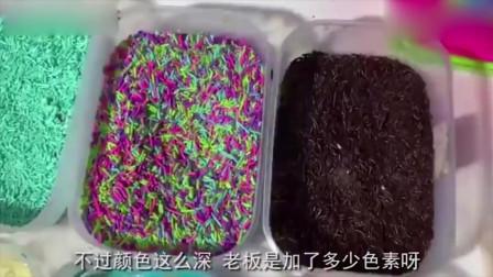 印尼学校门口流行的网红小吃甜甜圈,蘸着巧克力糖果