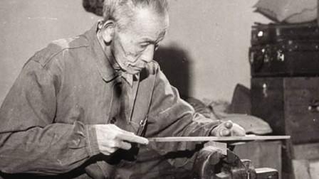 """""""枪神""""吴运铎研制生产迫击炮弹,没有材料他竟从旧里挖!"""