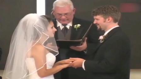婚礼现场,新郎成功把新娘逗出了魔性的笑声,根本停不下来