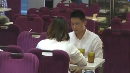 你会怎么做:仗义!目睹丈夫被妻子家暴,旁桌男士出面制止!