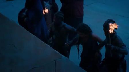 """《史前一万年》:大伙发现了美女受伤的疤痕,立即去通知""""万能之神"""""""