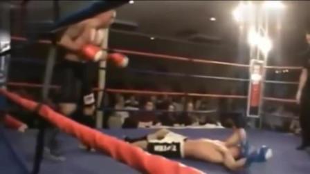 擂台再现奇葩一幕,他竟自己KO了自己! 笑的我肚子疼!