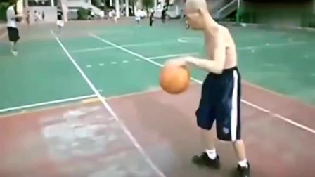 看了这位80岁老大爷的控球,我觉得我这么多年的篮球白打了!