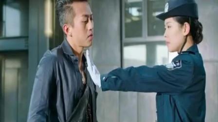分手大师:邓超和女保安这段太搞笑了,笑的肚子疼