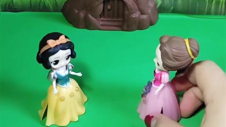 白雪和贝儿的师傅回来了,他们要比试,你觉得谁的师傅厉害啊?