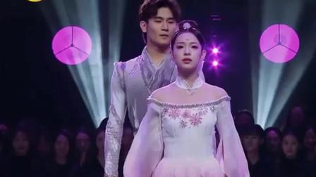 舞蹈风暴:两组芭蕾舞选手限时比拼,首席不愧是首席,差距肉眼可见!