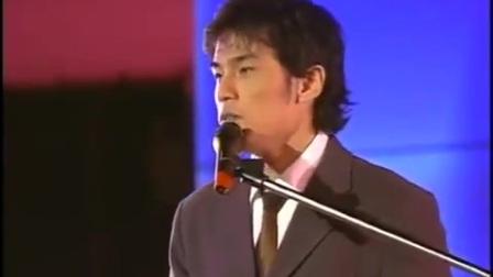【珍贵视频】周杰伦青涩自弹自唱《龙卷风》