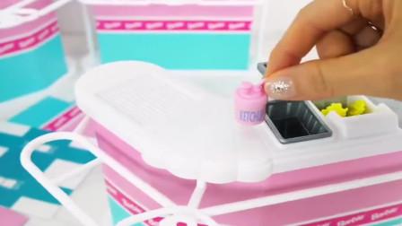 玩具开箱:芭比娃娃的冰激凌制作玩具,我们来组装一下