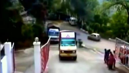 """灵异事件:大货车正在上坡,5秒后消失,监控拍下""""可怕""""一幕"""