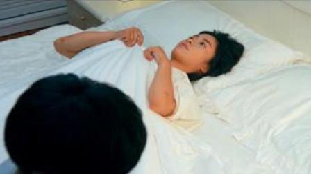 江辰看小希睡觉,不料小希默默给江辰腾位置,太甜了!