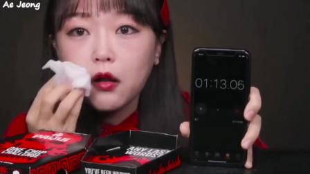 韩国美女吃播吃超辣薯片,看的心疼又觉得可爱