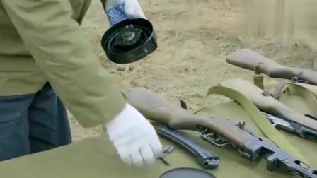 侣行夫妇体验二战经典武器,时至今日,杀伤力仍不能小瞧!