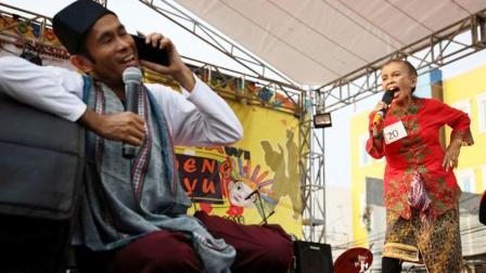 印尼大喊比赛:家庭主妇们有意见就大声说出来