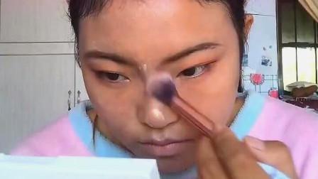 农村女孩化完妆,也是网红女神一个!