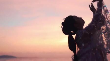 张肯肯的一曲《别怕我伤心》声音高亢有力,不能够被错过