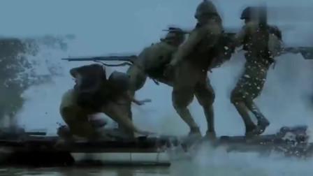太震撼!为了阻止日车搭建浮桥过河,将士们用命御敌!