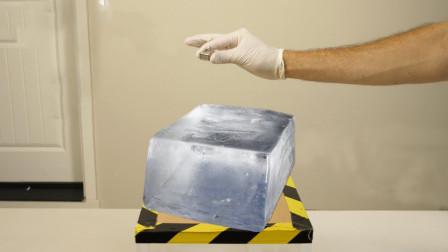 把金属钠和冰块放一起会发生什么?老外亲测,下一秒发生神奇现象