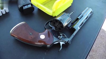 """""""柯尔特蟒蛇型左轮手枪靶场射击,被誉为世界上最好的左轮之一"""""""