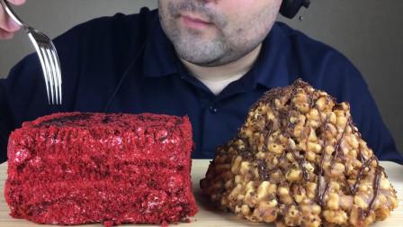 俄罗斯大叔直播吃蛋糕,左右两边各一块,这小生活太滋润了