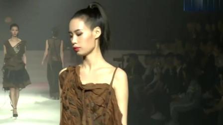 棕茶色不规则半袖连衣裙,透明黑色网纱裙子,潮流性感!