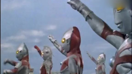 奥特兄弟们终于出手对付帝国星人,没想到泰罗奥特曼突然出现了