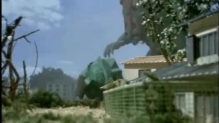 泰罗奥特曼被怪兽喷了一身泥巴,才想起来这个怪兽得用盐