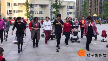 当下最火的鬼步舞教学,基础步标准示范,每天坚持还可以减肥瘦身
