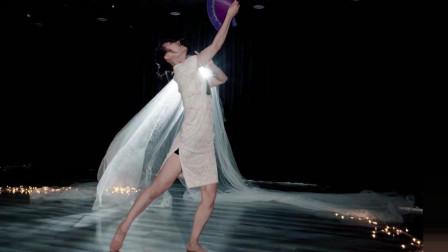 全网爆红的《芒种》怎么能少了一支搭调的中国舞加持呢,好听好看