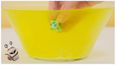 精灵宝可梦 皮卡丘沐浴球奇趣蛋玩具