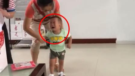 3岁男孩被收养时嚎啕大哭,如今一个月过去,现状令众人彻底惊艳