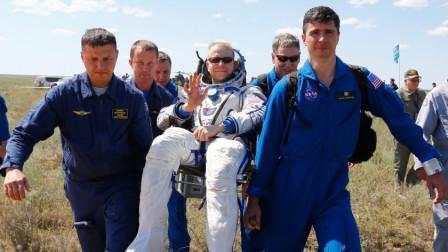 """宇航员最""""特殊""""规定,返回地球后必须坐椅子上,不坐后果严重"""