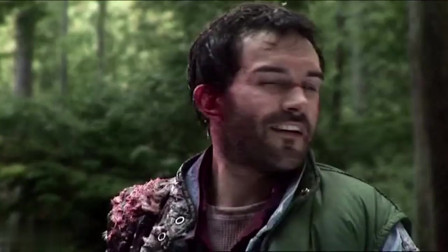 突变巨兽:男子还以为胜利了,傻傻的笑个不停,真正的捕食者在后面