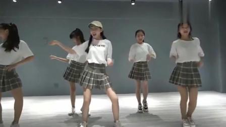 初中生舞蹈视频流行舞,也太好看了吧,快进来看看吧