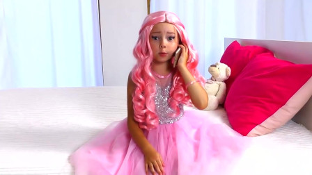 国外小女孩仿妆迪士尼公主,粉粉的公主裙,你想要吗?