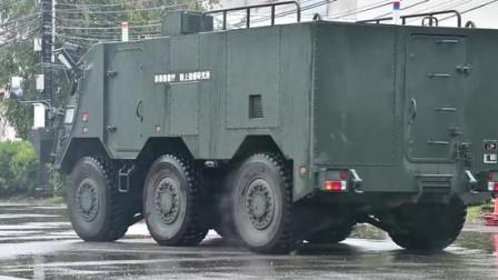 俄罗斯新型的6轮步兵战车,还会360度转圈圈!